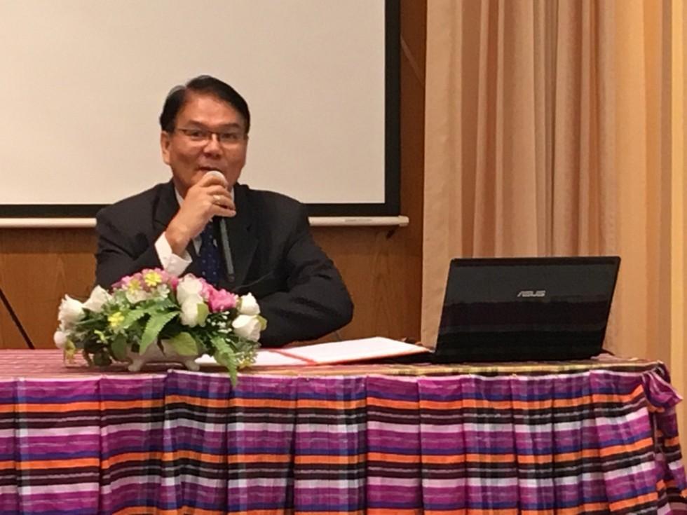 รศ.ดร. เกรียงไกร กิจเจริญ รองอธิการบดีฝ่ายศิลปวัฒนธรรมและชุมชนสัมพันธ์
