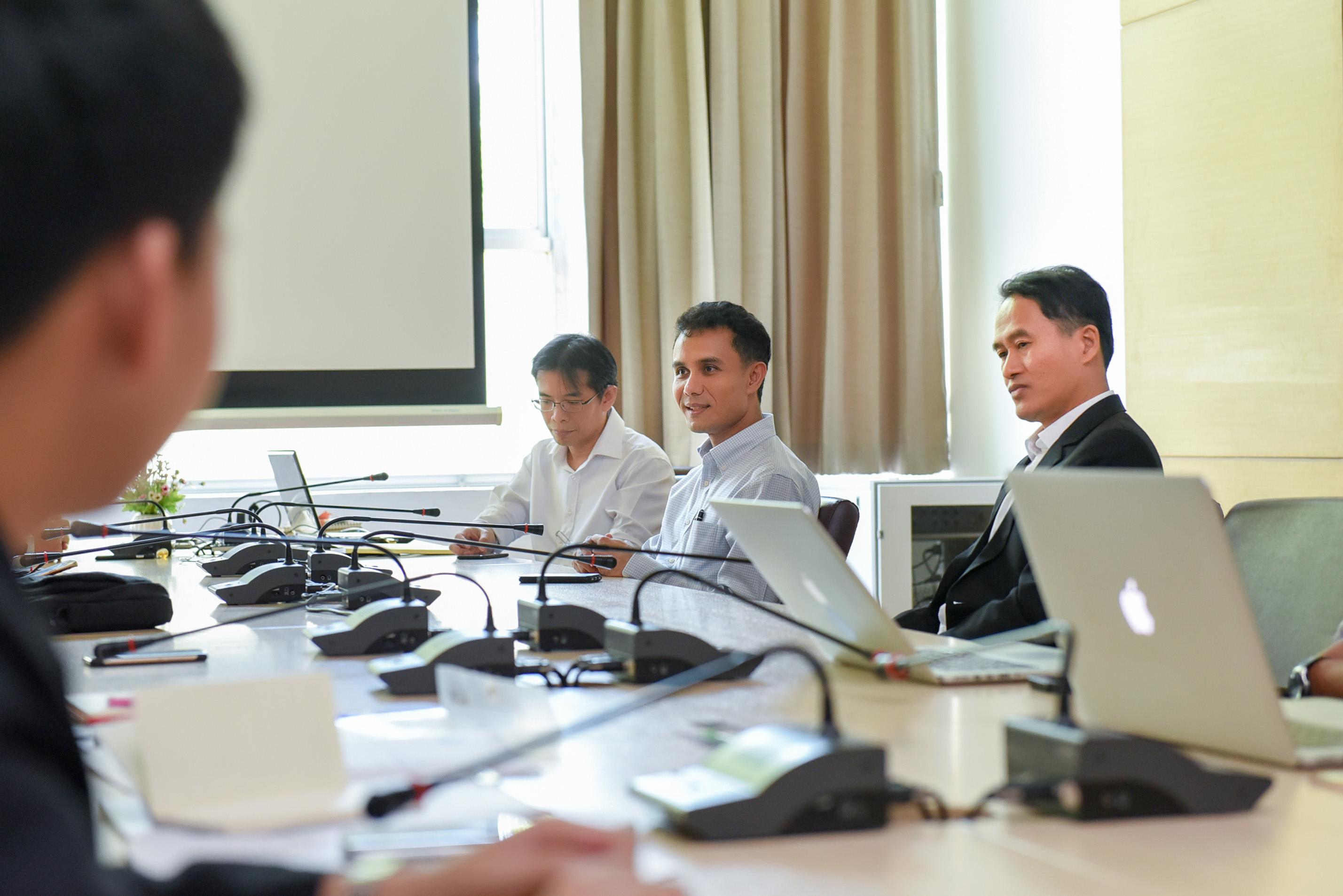 มข.ให้การต้อนรับผู้บริหารและบุคลากร ม.บูรพา ดูงานด้านการประเมินบุคลากรฯ